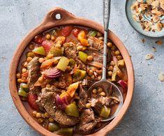Recept - Tajine van rundvlees, gedroogde abrikozen en kikkererwten - Euroma Easy Peasy, Paella, Beef, Ethnic Recipes, Food, Meat, Eten, Ox, Ground Beef