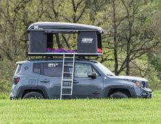 Jeep Tent, Jeep Camping, Accesorios Jeep Renegade, Jeep Mods, Jeep Liberty, Jeep Accessories, Car Goals, Jeep Life, Cafe Racers