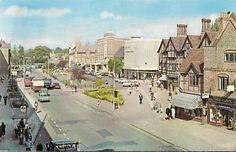 SUPERB-RARE-OLD-POSTCARD-HIGH-STREET-WATFORD-HERTFORDSHIRE-1967-Old-Cars