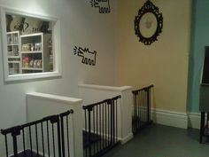 Photo of You Lucky Dog Boutique & Dog Spa - Hoboken, NJ, United States. Comfy individual suites with bedding, toys and water. Dog Grooming Shop, Dog Grooming Salons, Dog Grooming Business, Dog Kennel Designs, Kennel Ideas, Dog Bedroom, Puppy Room, Dog Spaces, Pet Hotel