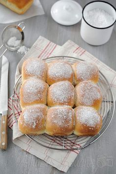 Brioche buchty Our Daily Bread, Cheese Bread, Pastry Recipes, Sweet Desserts, Sweet Bread, Pancake, Brunch, Food And Drink, Favorite Recipes