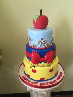 Snow White birthday cake. Visit us Facebook.com/marissa'scake or www.marissascake.com