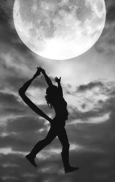 As the lights of Chihuahua became small and the countryside dark, the full moon . Luna Moon, Sky Moon, Mother Nature Quotes, Moon Dance, Black White, Sun And Stars, Good Night Moon, Beautiful Moon, Moonlight