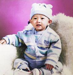 #baby #Donghyuk #cute Kim Jinhwan, Chanwoo Ikon, Jooheon, Winwin, Nct, Jay Song, Childhood Photos, Kim Dong, Bebe