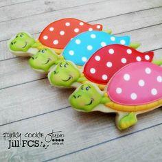Racing turtles cookies // funky cookie studio