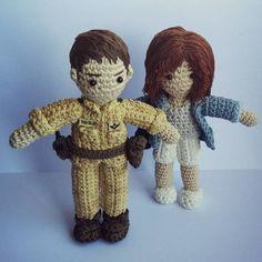 Descendants of the Sun #태양의후예 #코바늘인형 #손뜨개인형 #송중기 #송혜교 #amigurumi Crochet Toys, Teddy Bear, Cartoon, Fun Things, Instagram Posts, Goodies, Character, Animals, People