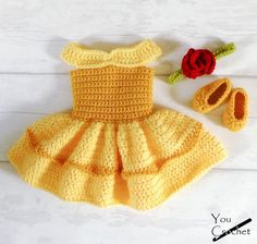 Crochet Dolls Patterns Beauty and the Beast Belle Dress Set Crochet Patterns - The cutest princess costume for your little one! Crochet Baby Costumes, Crochet Baby Clothes, Crochet Baby Outfits, Crochet Dresses, Cute Crochet, Crochet Dolls, Princess Belle Dress, Crochet Princess, Bonnet Crochet