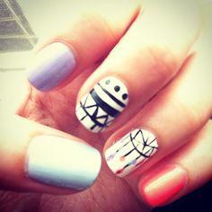 Tribal dreamcatcher nails