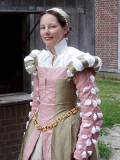 century french dress 1 by DeredereGalbraith on DeviantArt Elizabethan Fashion, Renaissance Fashion, Fantasy Costumes, Dress Picture, Historical Costume, French Fashion, 16th Century, Playing Dress Up, Deviantart
