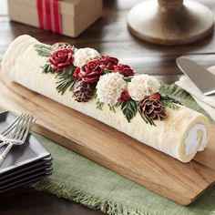 A Yule log, or French Bûche de Noël, is a traditional dessert served at Christ. - A Yule log, or French Bûche de Noël, is a traditional dessert served at Christ… – - Christmas Yule Log, Christmas Treats, Christmas Cakes, English Christmas, Christmas Design, Holiday Treats, Xmas Cakes, Christmas Cake Decorations, Christmas Foods