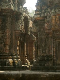 Angkor Wat, Cambodia I never thought about going to Cambodia but these structures would be incredible to see in real life. Laos, Ancient Architecture, Amazing Architecture, Gothic Architecture, Angkor Temple, Magic Places, Angkor Wat Cambodia, Ancient Ruins, Mayan Ruins