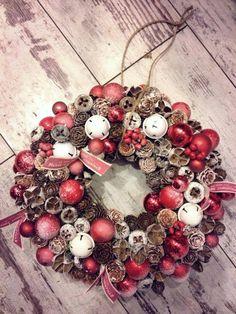 ... Christmas Advent Wreath, Merry Christmas, Xmas Wreaths, Christmas 2016, Christmas Time, Christmas Decorations, Holiday Decor, Christmas Inspiration, Ornament Wreath