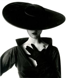 Fashion photograph of Jean Patchett by Irving Penn