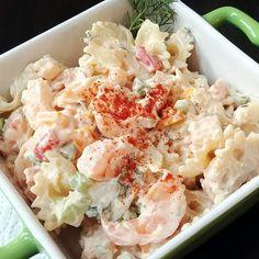 Shrimp and Pasta Shell Salad Chicken Potato Salad, Loaded Baked Potato Salad, Creamy Potato Salad, Creamy Cucumber Salad, Chicken Curry Salad, Chicken Salad Recipes, Seafood Recipes, Cooking Recipes, Potato Pasta