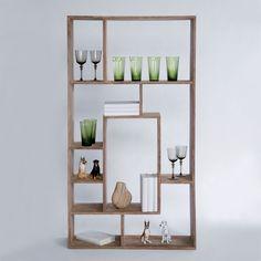 Lekker sheesham-tre veggseksjon med romdelere i praktiske og varierende størrelser. Kan også benyttes som skjenk, og tar seg godt ut alene eller opp mot en vegg. H150 B80 D25 cm