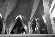 arquilatria: Iglesia de la Medalla de la Virgen Milagrosa, Navarte, Méjico, 1953 Félix Candela