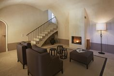 Elliott Barnes EBI Villa Cannes Lime Plaster Walls Francis Amiand Photo