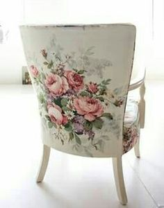home décor, furniture, room inspiration, romantic, modemadeleine.co.uk, chair, vintage, florals