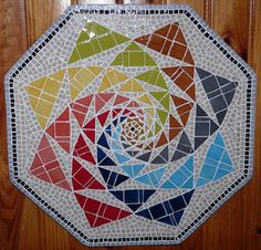 Mosaic Art, Mosaic Tiles, Tile Projects, Table Toppers, Decoration, Stained Glass, Creations, Diy, Interior Design