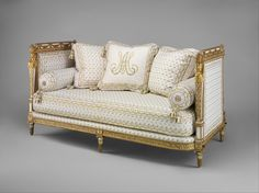 Daybed, 1788. Stood in Marie Antoinette's, Cabinet de Toilette at the Château de Saint-Cloud.