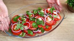 Caprese Salad, Yummy Food, Yummy Recipes, Easy Meals, Dinner, Cos, Youtube, The Dinner, Teen