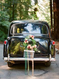 vintage wedding. vintage car.