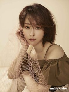 The Romantic-Comedy Queen looks alluring even with unkempt style. She is currently the muse of Estee Lauder that Marie Claire curated for this spread. I say, even with a nude lipstick, Seo Hyun Jin… Asian Woman, Asian Girl, Seo Hyun Jin, Nude Lipstick, Korean Star, Beauty Inside, Chinese Actress, Korean Actresses, Korean Beauty