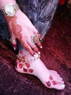 Leg henna Arabic Henna Designs, Eid Mehndi Designs, Mehndi Design Photos, Beautiful Mehndi Design, Mehndi Images, Latest Mehndi Designs, Mehndi Art, Henna Mehndi, Mehendi