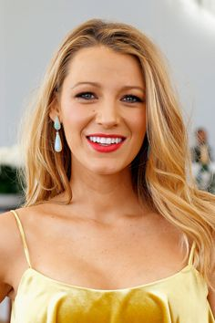 #BlakeLively proved that pregnancy suits her. The actress had a gorgeous radiant glow, with her hair in glossy waves #BeautyMuse #HairIcon