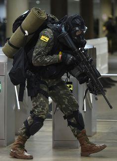 Brazilian Army special forces soldier (1º Batalhão de Ações de Comandos)[1669 2287]