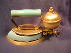 Coleman Model 4A Antique Kerosene Iron