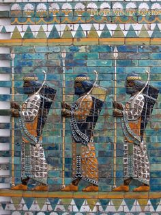 Detail from the wall of the inner city of Babylon. It was constructed in about 575 BC by order of King Nebuchadnezzar II. In view at the Pergamom Museum in Berlin. Photo: Vidura Barrios
