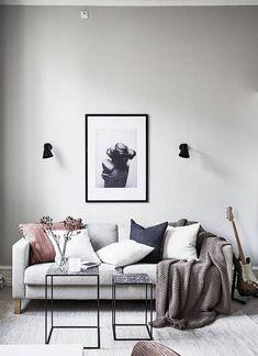 Wall colour, wall lights