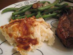 The Foodista Chronicles: Roadhouse Potatoes.  Creamy, easy potato side dish recipe!