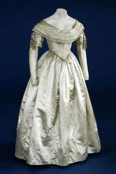 Golden wedding dress 1840