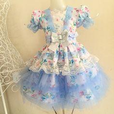 Vestidos juninos Baby Girl Dresses, Little Dresses, Baby Dress, Girl Outfits, Country Dresses, Clothing Patterns, Frocks, Designer Dresses, Doll Clothes