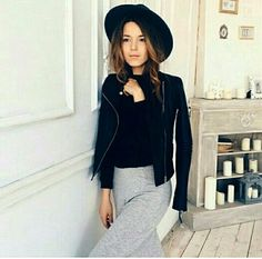 Black Knit, Knitting, Instagram Posts, Fashion, Black Mesh, Moda, Tricot, Fashion Styles, Breien