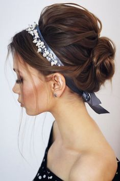 Voluminous Twisted Updo With Headband longhair up&; Voluminous Twisted Updo With Headband longhair up&; Kimberlee Sargesson kimberleesargesson easy hairstyles for long hair Voluminous Twisted Updo With Headband […] bun tutorial with headband Updo With Headband, Headband Hairstyles, Straight Hairstyles, Braided Hairstyles, Cool Hairstyles, Hairstyles Haircuts, Updo Hairstyles Tutorials, Asian Hairstyles, Formal Hairstyles