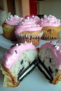 Oreo Crunch Cupcakes: White or Vanilla Cake Mix prepared as directed. Add crushed Oreo Cookies to cake mix. Put 1 Oreo in bottom of cupcake liner then pour in batter. Bake as directed, about 15 min @ Köstliche Desserts, Delicious Desserts, Yummy Food, Dessert Healthy, Oreo Cupcakes, Cupcake Cakes, Oreo Cookies, Baking Cupcakes, Cup Cakes