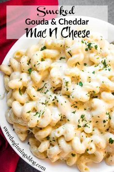 Smoked Gouda Mac And Cheese Recipe, Best Mac N Cheese Recipe, Cheddar Mac And Cheese, Crockpot Mac And Cheese, Smoked Cheese, Creamy Mac And Cheese, Mac And Cheese Homemade, Gouda Cheese Recipes, Cheese Dishes