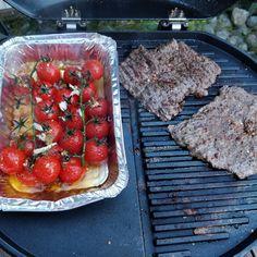 Tupun tupa: Naudan minuuttipihvit ja marinoidut grillitomaatit...