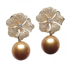 For example, every woman needs an LBD (little black dress), and a pair of pearl earrings. Pearl earrings have the wonderful ability of bein… High Jewelry, Pearl Jewelry, Diamond Jewelry, Gold Jewelry, Diamond Earrings, Vintage Jewelry, Jewelry Accessories, Jewelry Design, Pearl Earrings