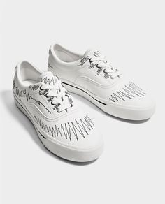 hot sale online 29aca 6cd1a WHITE EMBOSSED PLIMSOLLS