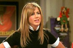 """Actress Jennifer Aniston, who played Rachel Green in the popular sitcom """"Friends"""" between 1994 and says she was almost replaced just before the show got aired. Jennifer Aniston Short Hair, Jennifer Aniston Hair Friends, Jenifer Aniston, Hairstyles With Bangs, Pretty Hairstyles, Scene Hairstyles, Popular Hairstyles, Hair Day, New Hair"""