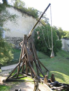Reconstruction of a trebuchet at Chinon.