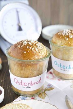 Kleines Osterbrot im Weckglas - Hefelaibe mit Kardamom - Best Picture For Easter Recipes Dessert brunch ideas For Your Taste You are looking for something - Summer Desserts, Christmas Desserts, Summer Recipes, Easter Desserts, Homemade Desserts, Dessert Recipes, Salad Recipes, Bread Twists, Braided Bread