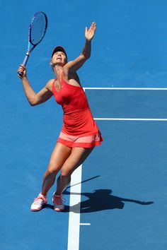 Maria Sharapova Photos - Maria Sharapova of Russia serves in her semifinal match against Ekaterina Makarova of Russia during day 11 of the 2015 Australian Open at Melbourne Park on January 29, 2015 in Melbourne, Australia. - Australian Open: Day 11