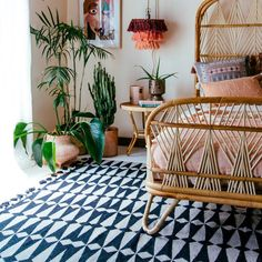 Have a pretty mellow set up and wanna add in a major 'wow moment'? Go for a BOLD statement on the floors with the Kahelo rug in black and ivory. Justina Blakeney designed this rug with inspo from all sorts of tiles she's seen on her global adventures! Bohemian Bedroom Decor, Bohemian House, Bohemian Interior, Modern Bohemian, Bedroom Inspo, Oriental Furniture, Antique Furniture, Bedroom Furniture, Patterned Carpet