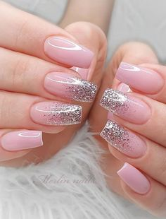 Pink Natural Nail color with ombre glitter. Aren't these nails gorgeous? The pink glitter nail art designs look very glamorous for brides. Lilac Nails With Glitter, Short Pink Nails, Glitter Nail Art, Long Nails, Square Nail Designs, Nail Art Designs, Nails Design, Sweet 16 Nails, Cute Spring Nails