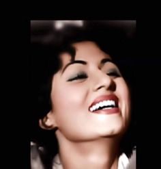 16 Ideas for vintage photography people smile Most Beautiful Bollywood Actress, Beautiful Indian Actress, Beautiful Women, Bollywood Wallpaper, Pakistani Fashion Party Wear, Film World, Beauty Forever, Vintage Wedding Hair, Vintage Bollywood
